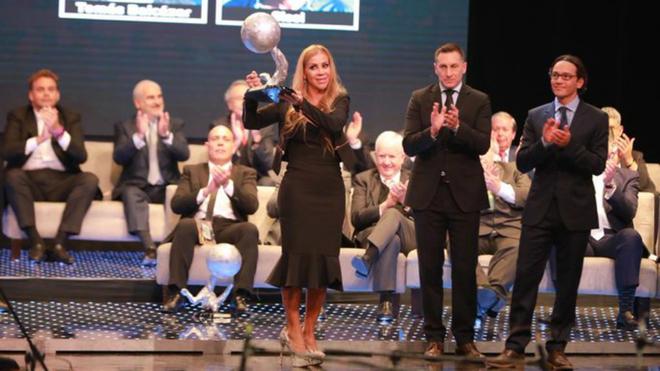 Sandra Sierra recibió el galardón.