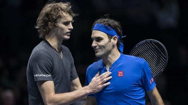 Zverev y Federer durante un encuentro.