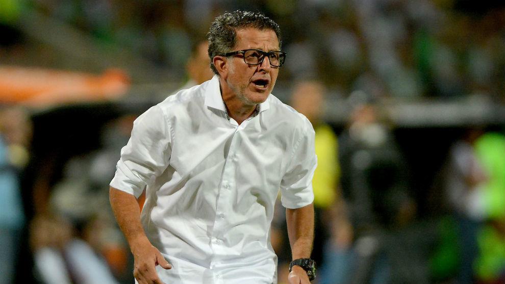 El entrenador se fue molesto del Atanasio Girardot.