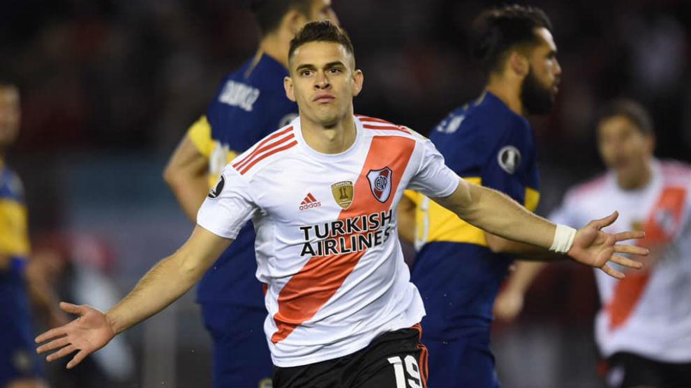 El hombre de goles determinantes en River Plate. Acá ante Boca en El...