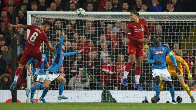 El VAR 'marca' el empate entre el Nápoles y un Liverpool que se la ...
