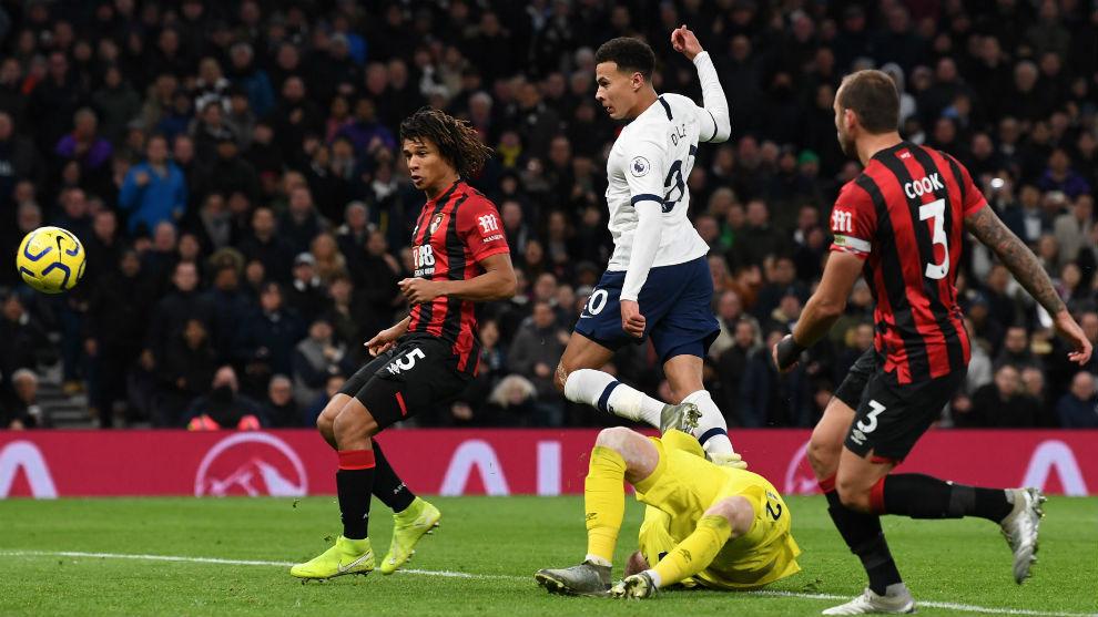 José Mourinho invitó al pasabolas a comer con el plantel del Tottenham