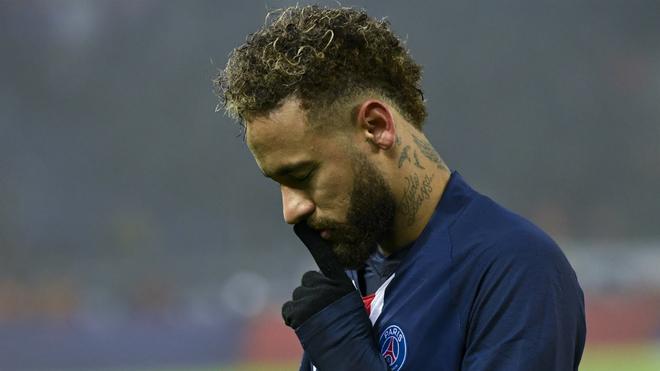 Neymar y su gesto que ha desatado la molestia en los hinchas...