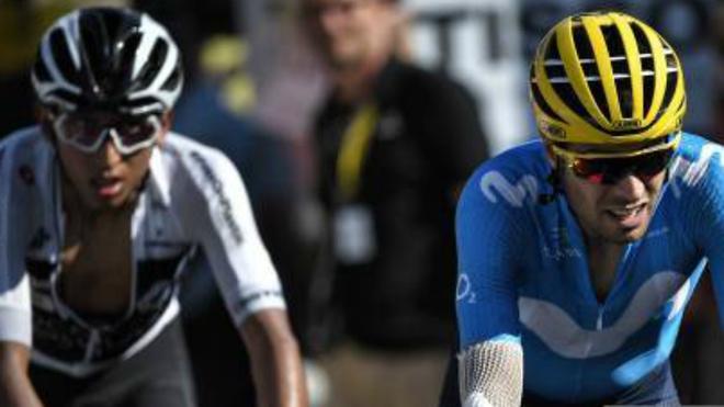 Egan Bernal y Mikel Landa durante una carrera.