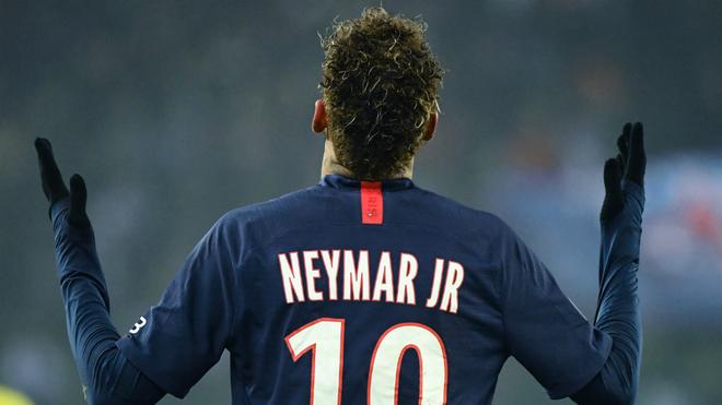 Neymar vuelve a liarla con los hinchas del PSG.