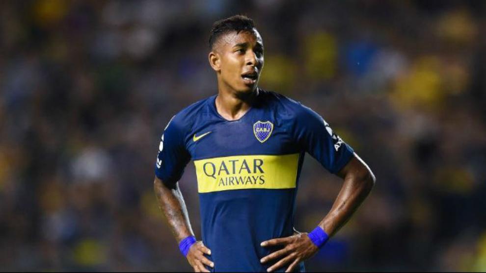 Sebastián Villa en un encuentro de Superliga.