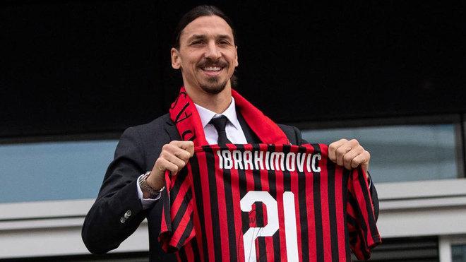 Zlatan, en su presentación con el AC Milan.