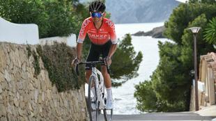 Nairo Quintana luce con su nuevo maillot.