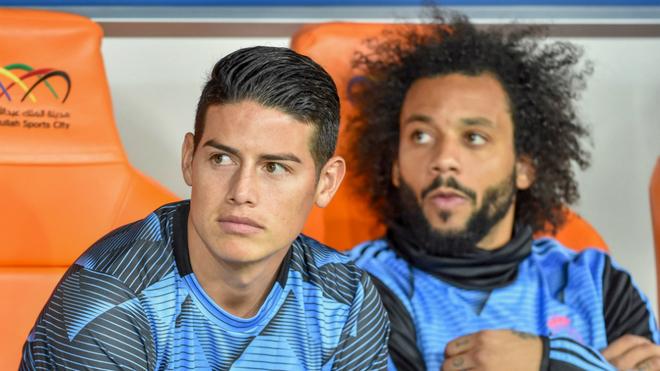 James, en compañía de Marcelo, durante la Supercopa de España.