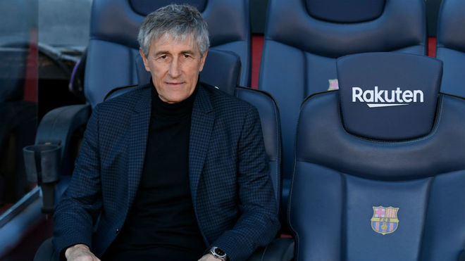 Quque Setién en el banquillo del Barça en su presentación.