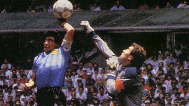 Un rencoroso: Peter Shilton sigue enojado con Diego Maradona