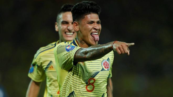 Jorge Carrascal celebra un gol durante el Preolímpico Sudamericano...