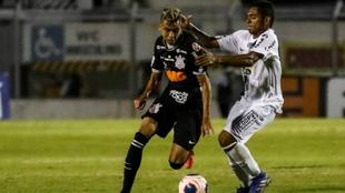 Víctor Cantillo durante el reciente juego ante el Santos.