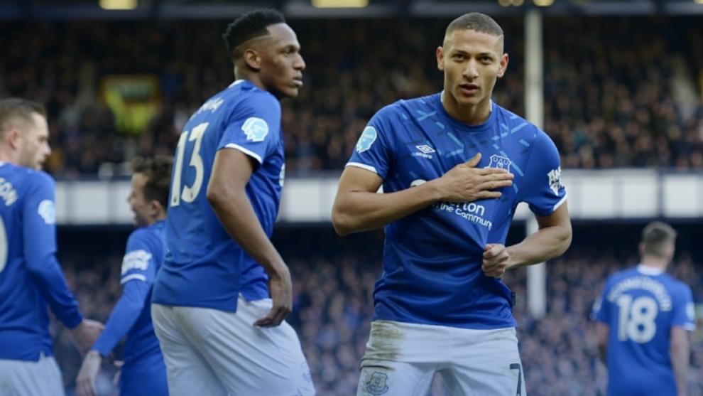 Yerry Mina y Ancelotti acercan al Everton a posiciones europeas