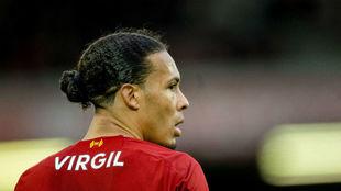 La Juventus prepara una oferta por Virgil Van Dijk.