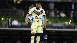 Roger Martínez durante un encuentro con el América de México.