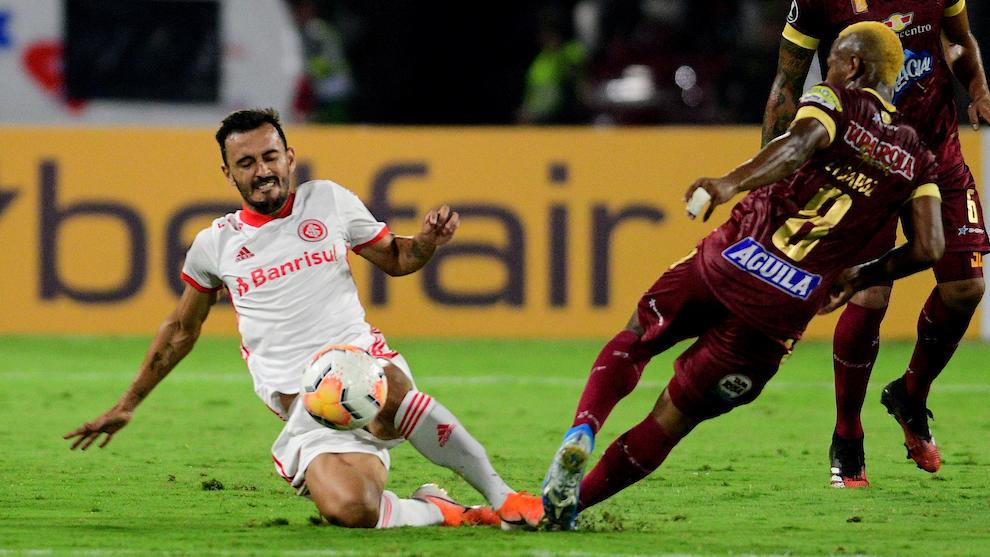 Tolima vs Internacional: Tolima desaprovecha el bajón de Inter de Porto Alegre y cede un empate en Ibagué 1