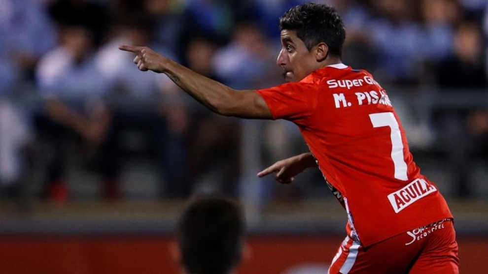 Matías Pisano celebra el gol contra Universidad Católica.