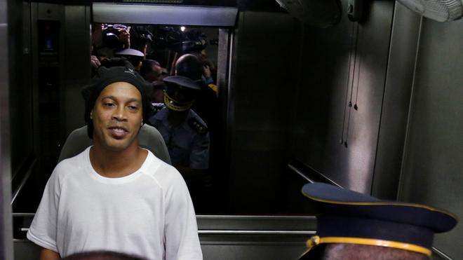 Coronavirus: Toman precauciones con Ronaldinho por el coronavirus: sometido a pruebas en Paraguay 1