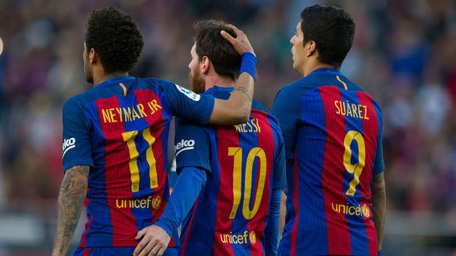 Neymar, Messi y Suárez, en un juego.