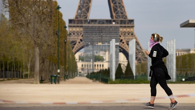 Paris prohíbe correr desde las 10 de la mañana a las 7 de la tarde.