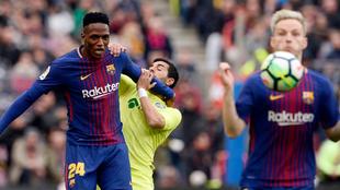 Yerry en acción con el Barcelona.