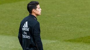 James en una práctica del Madrid.