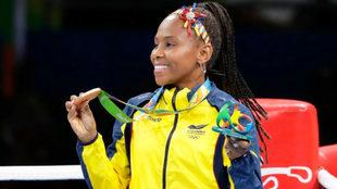 Ingrit posa con la medalla de bronce en Río 2016.