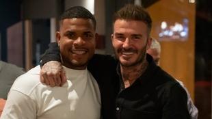 Román Torres y David Beckham.