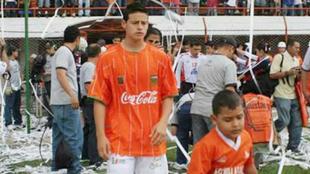 James con la camiseta de Envigado, su primer equipo profesional.