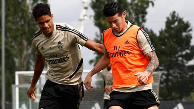 James y Varane, en una sesión de entrenamiento en Valdebebas.
