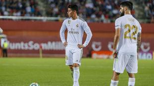 James e Isco, durante el partido ante el Mallorca