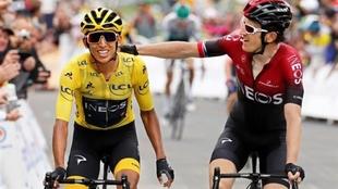 Egan Bernal junto a Geraint Thomas durante el Tour de Francia 2019
