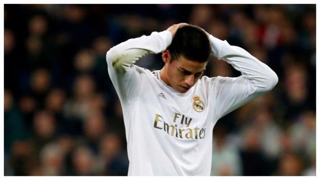 James Rodríguez se lamenta tras una ocasión perdida con el Real...