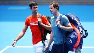 Novak Djokovic y Andy Murray durante un torneo.