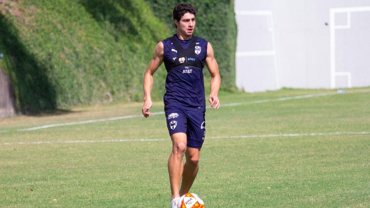 Stefan Medina, entrenado con el Monterrey de México.