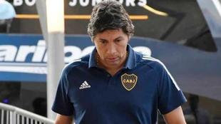 Jorge Bermúdez mira fijamente el suelo.