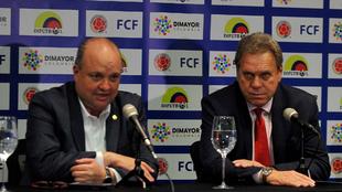 Jorge Enrique Vélez y Ramón Jesurun durante una conferencia de...