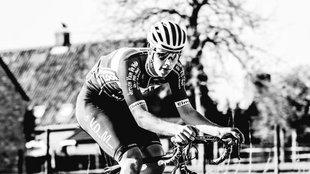 El ciclista Niels de Vriendt durante una carrera.
