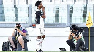 Cuadrado lanza un beso tras marcar ante el Torino