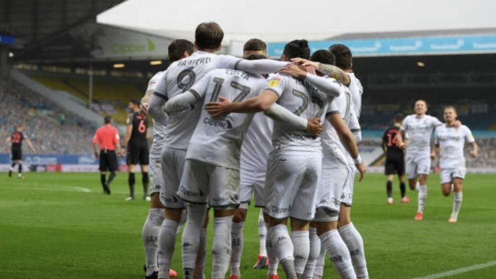 Leeds goleó y se mantiene como líder de la Segunda división inglesa
