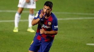 Luis Suárez celebra un gol con el Barcelona