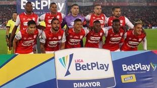 Jugadores de Independiente Santa Fe, antes de un partido.