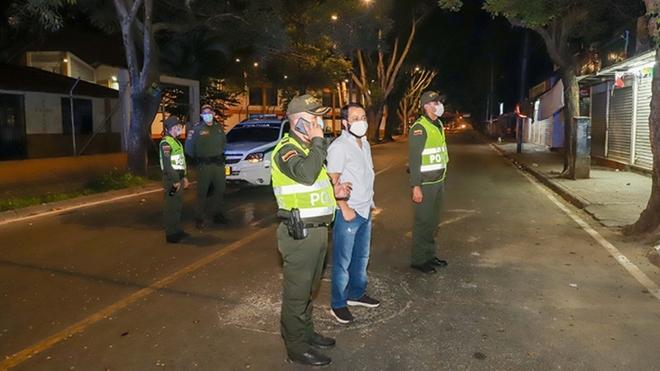 Decretan toque de queda y ley seca en Cali | MARCA Claro Colombia
