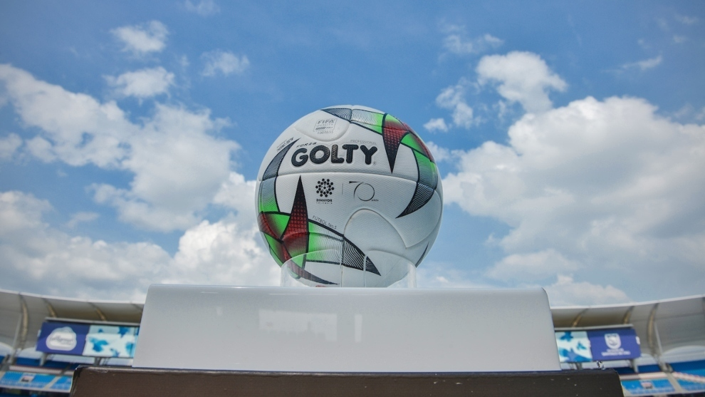 Balón del fútbol colombiano.
