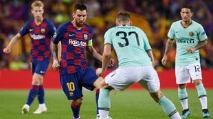 Leo Messi, en un momento del encuentro ante el Inter de la fase de...