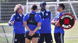 Algunos integrantes de Millonarios, durante un entrenamiento.