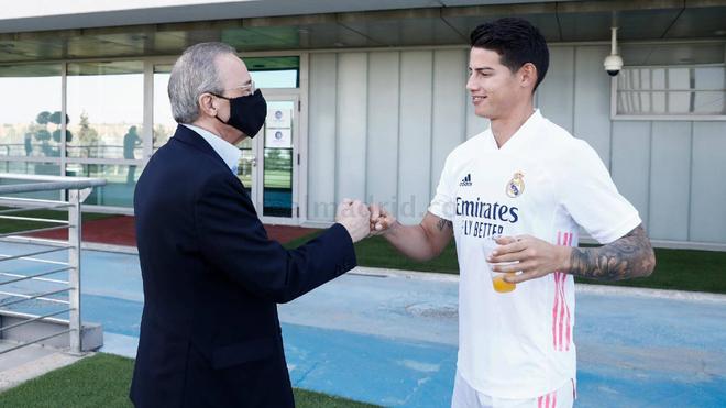 Florentino saluda a James este 1 de agosto en Valdebebas