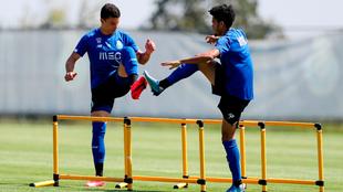 Matheus junto a Luis Díaz, en una práctica con el Oporto.