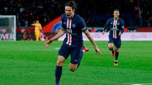 Paris Saint-Germain's Uruguayan forward Edinson...